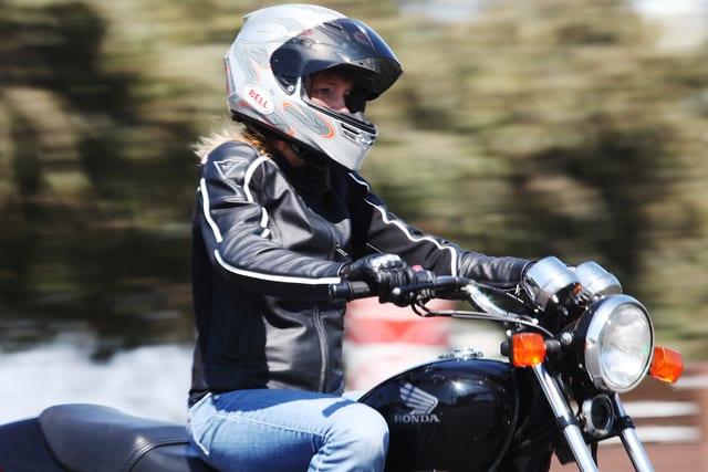 tips membeli helm motor